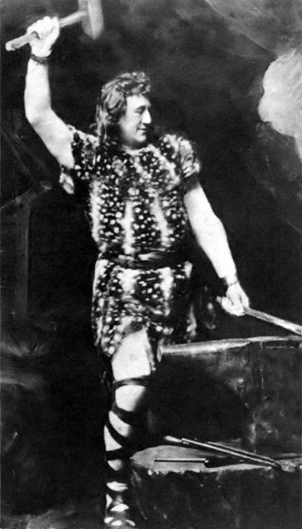 Героический тенор Генрих Гудехус